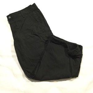 🆕 Eddie Bauer Sport Capri Cargo Pants in Black
